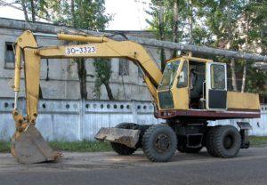 колесный экскаватор эо 3323